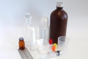 材質が硝子以外の容器